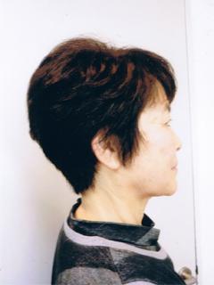 髪のおクセを生かしたヘアスタイル カット+ヘナカラーで